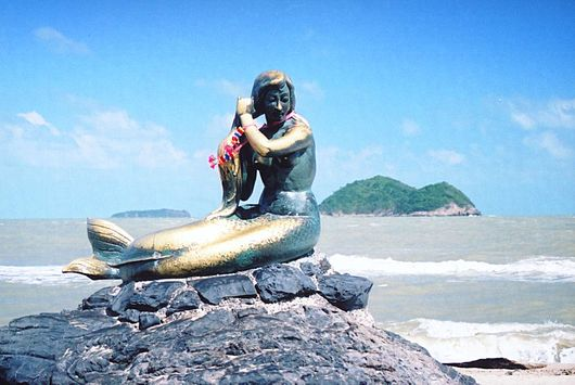Datei:Songkhla mermaid - panoramio.jpg